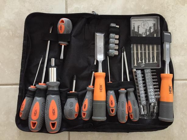 HDX magnetic screwdriver set and 2 chisels