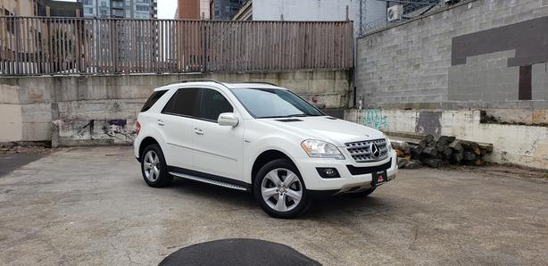 ** 2009 MERCEDES BENZ ML320 BLUETEC - ONLY 74,000KMS.