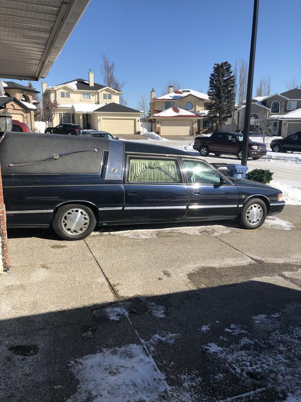 $6,250 · 1998 Cadillac commercial chassis hearse