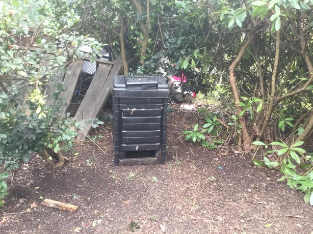 FREE: Composter