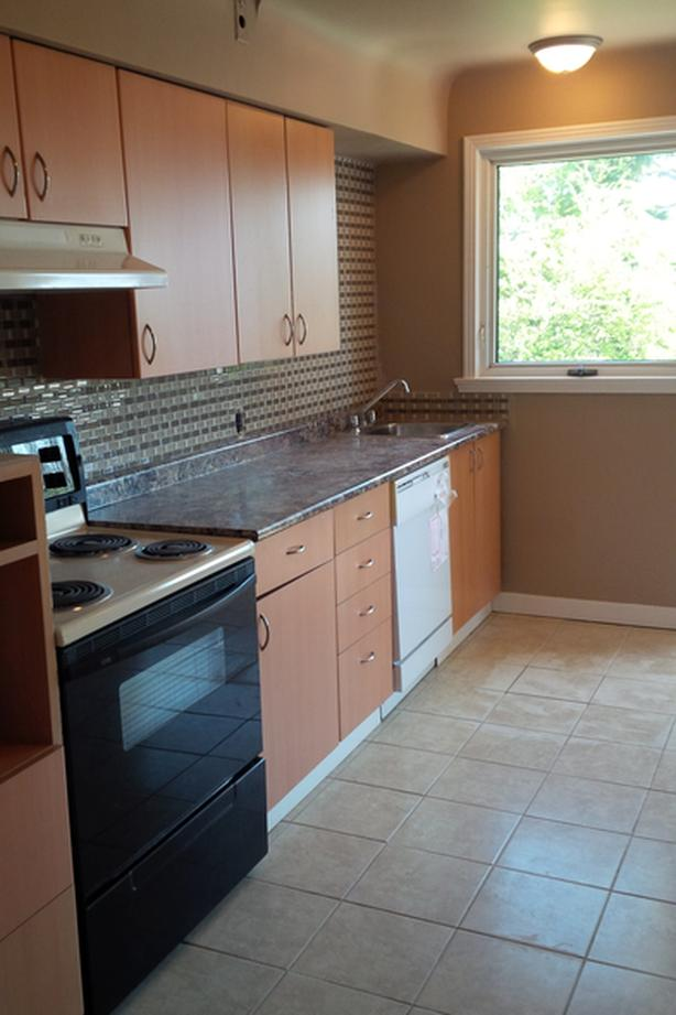 4 bedroom house available aug 1