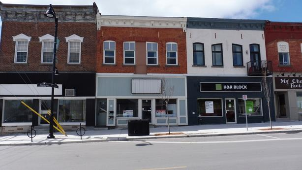 Arnprior, ON - Mixed Used Commercial Building For Sale