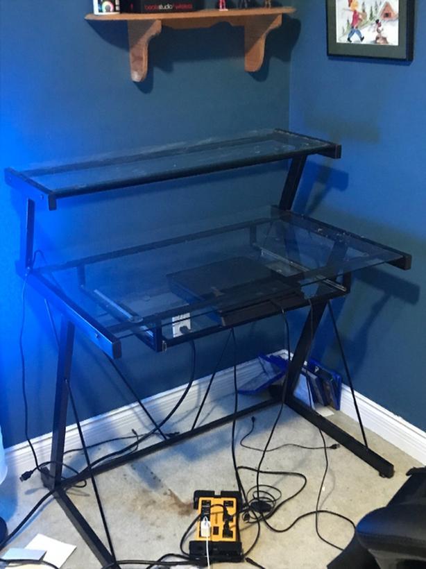 glass desk mint condition (OBO)