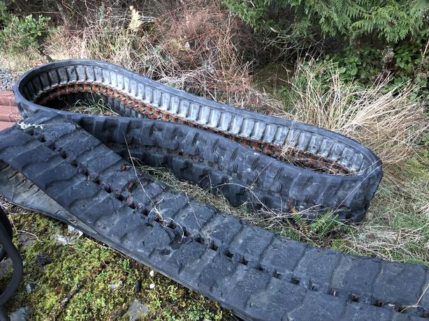 JD50 rubber track