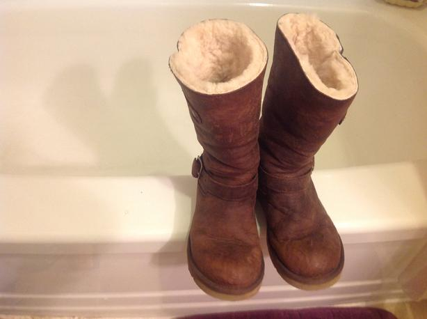 UGG BOOTS AND MORE IFHERE OR GRAB REST WITHOUT UGGS 50