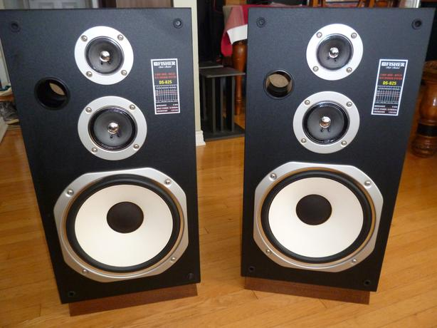 Fisher DS-825 3-Way Stereo Speakers Wood Cabinets Central