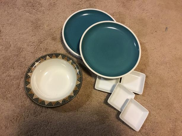 FREE: 4 blue stone plates (nice size),tiled denby regular bowl,4 dipping dishes