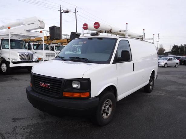 2007 GMC Savana G3500 Cargo Van with Ladder Rack and Rear Shelving