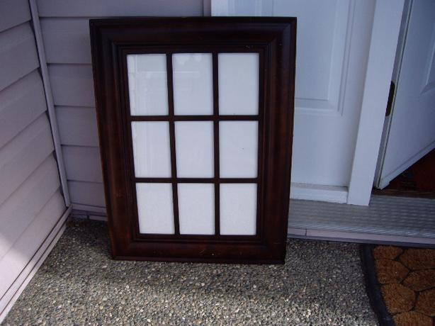PICTURE FRAME WITH SQUARES