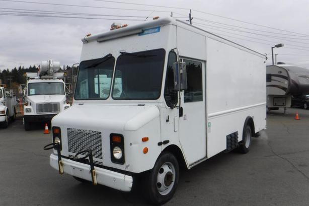 2001 Grumman Workhorse P42 16 Foot Workshop Cargo Van Honda Generator