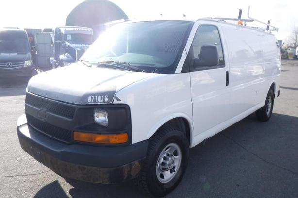 2007 Chevrolet Express G3500 Extended Cargo with Ladder Rack Rear Shelving and G