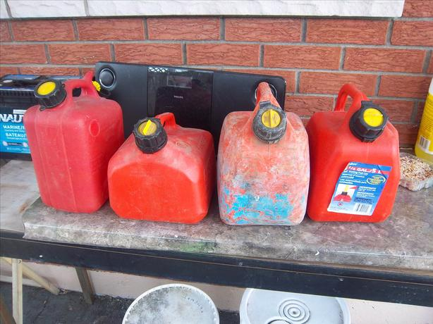 5 liters  gas cans