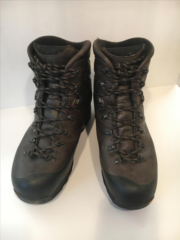 f6f0db89e7a  Log In needed $225 · Zamberlan 960 Guide GTX RR Hiking Boots