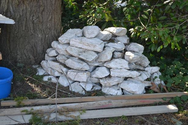 Free Pile Of Decorative White Quartz Rocks Saanich Victoria