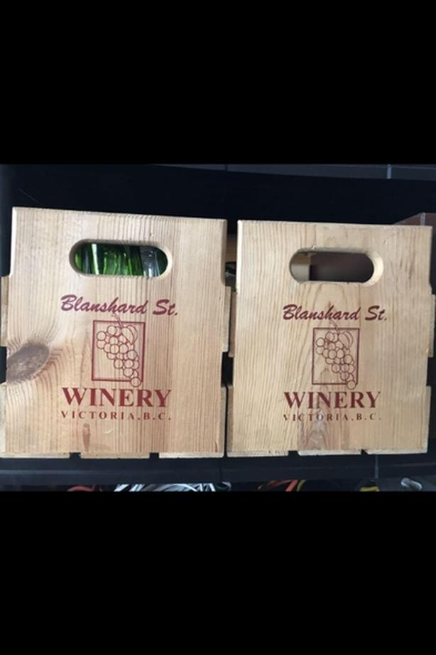 2 wood wine crates with 16 bottles