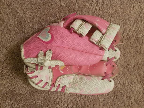 "Disney Princess Pink Baseball Glove - 8"" youth/kids size"