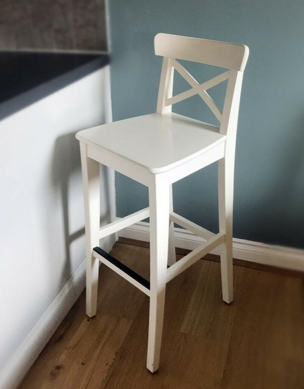 Breakfast Bar/Table with Chairs