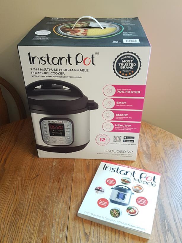 *NEW*  Instant Pot & cookbook (retail $190+)