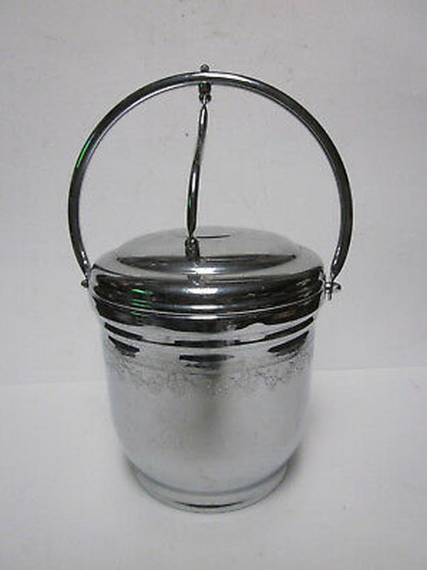 VINTAGE UNITED CHROMIUM ON SOLID BRASS HINGED ICE BUCKET WITH LID & GLASS LINER