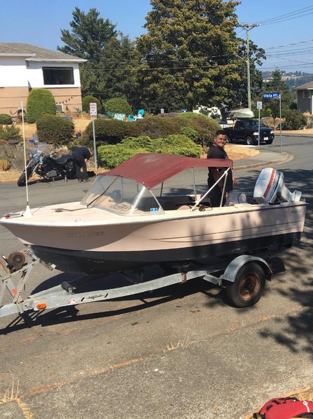 1980 14'  Islander Boat 60hp Johnson