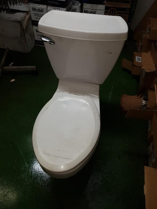 Groovy Free American Standard Toilet West Shore Langford Colwood Machost Co Dining Chair Design Ideas Machostcouk