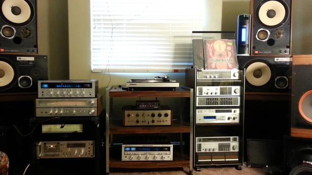 Wanted: Old Stereos/Receiver/Amplifier/Turntable/Speakers/Preamp/Records
