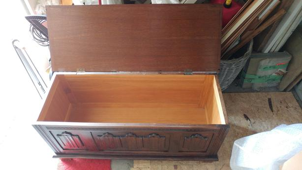 Chest, solid wood
