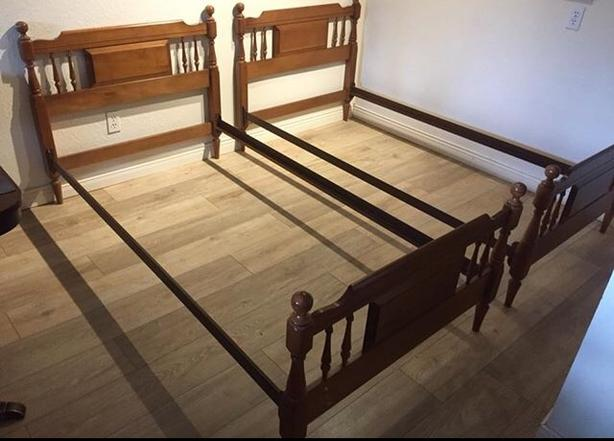 2 twin vilas maple solid wood beds