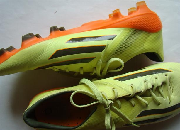 Adidas Outdoor Soccer Shoes in Yellow Orange Black & Cleats Size 8.5