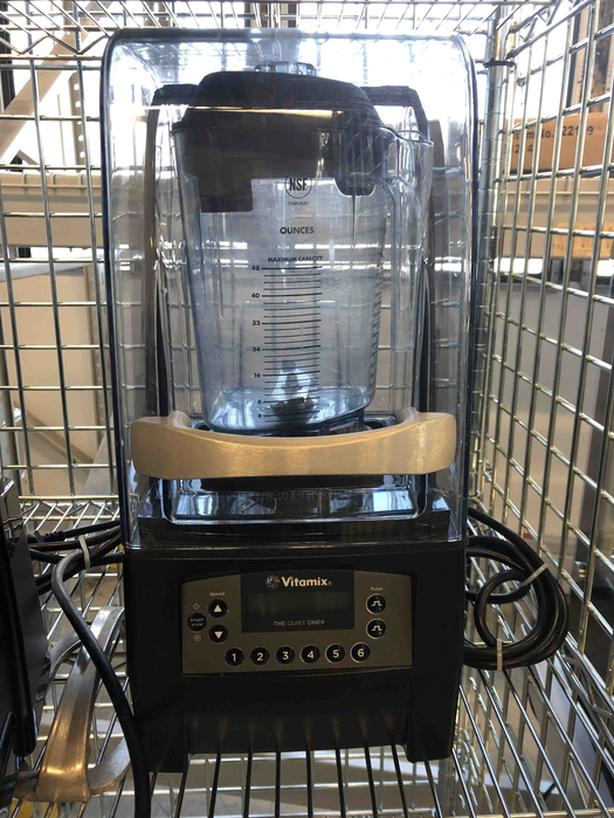 Vitamix and Blendtec Blenders – April 13 Auction