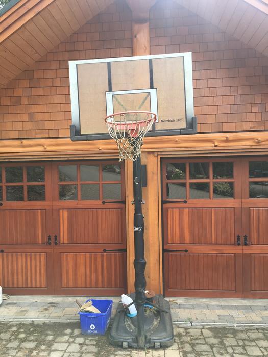 huge selection of f8a76 39e1e Reebok basketball hoop Sooke, Victoria