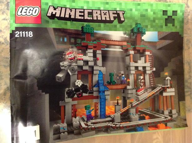 Minecraft lego set (Discontinued) Victoria City, Victoria