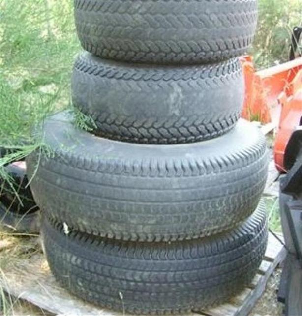 1998 Firestone 355/80D TURF Tires
