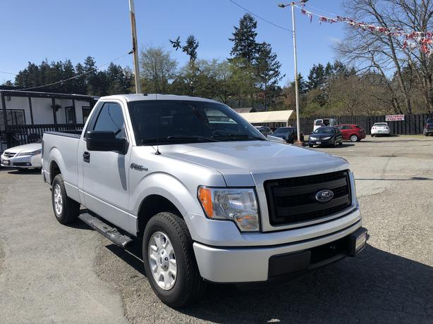 2013 Ford F-150 LOW KMS!