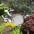 5 Bedroom, 3 Bath in Beautiful Brentwood Bay