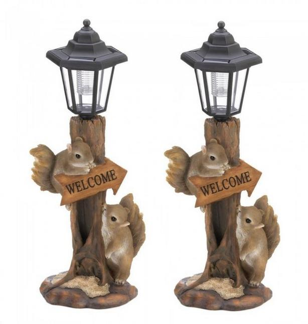 Welcoming Squirrels Statue LED Solar Pathway Lamp Post Lantern Light 2Lot