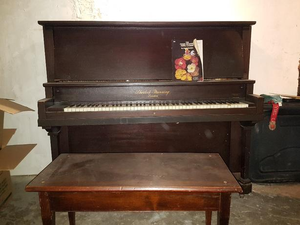 FREE: piano and bench