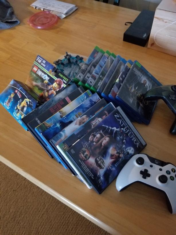 2 wireless xbox one controllers  games and movies Malahat