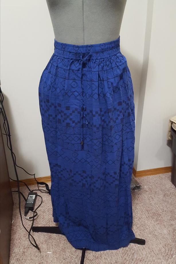 LOT 1: Ladies Long Skirts - Size XS