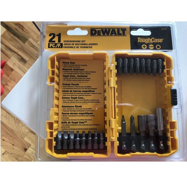 DEWALT 21-Piece Screwdriving Bit Set with Magnetic Bit Tip Holder & Case