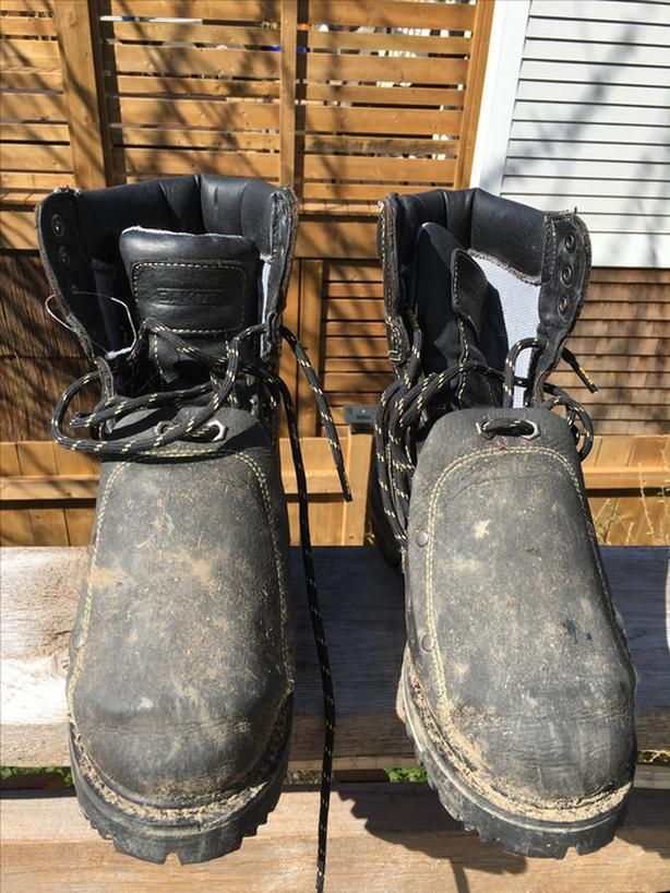 Dirty but like new, Mens Work Boots For Sale - Size 7.5