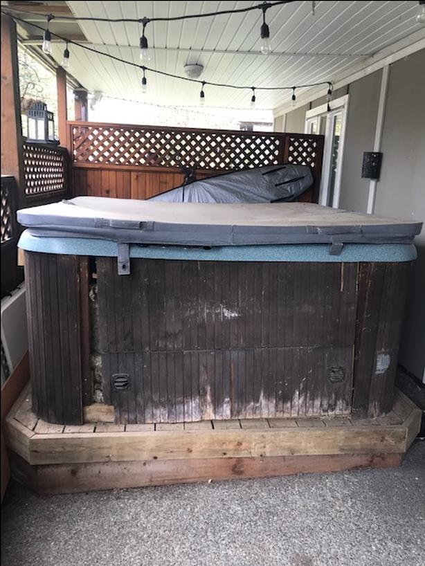 FREE: Hot tub