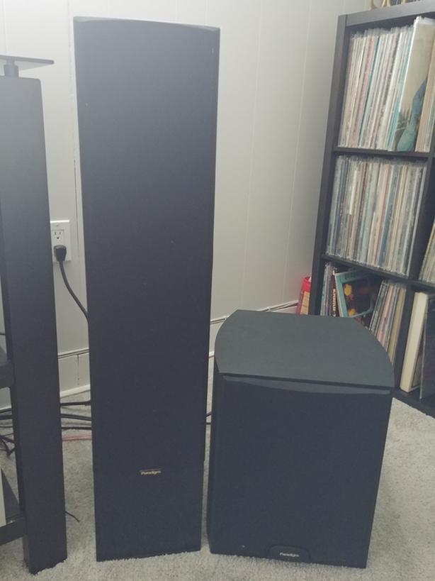  Log In needed $125 · Paradigm Phantom v3 Tower Speakers