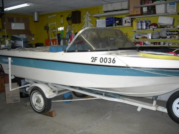 Fishing/Recreation Boat- great for Family