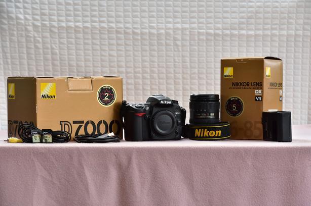 Nikon D7000 w/16-85mm