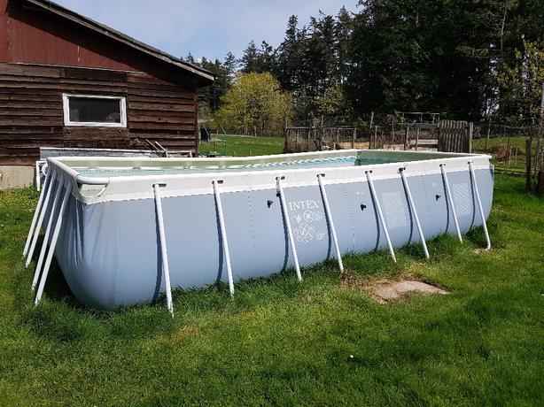 Intex pool and sand pump