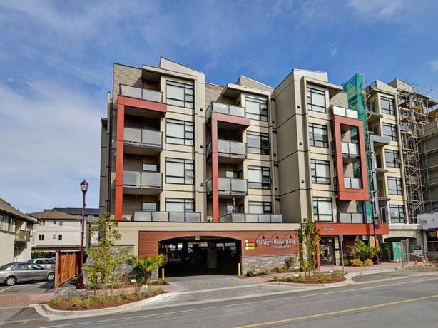 Two Bedroom Two Bath Apartment in Central Langford