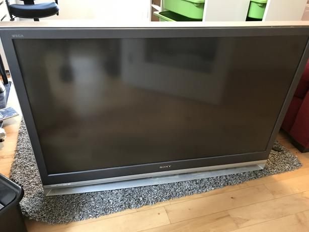 FREE: 50 inches projection tv sony