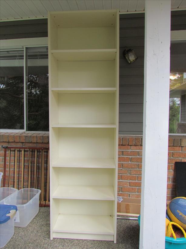 FREE: Bookshelf