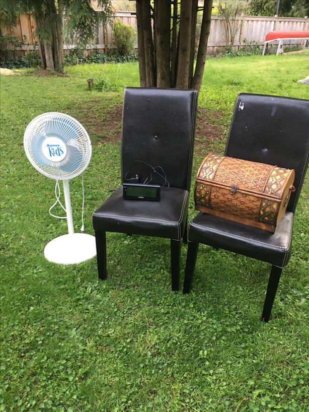 FREE: Chairs & stuff...